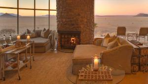sossusvlei-desert-lodge-guest-area.jpg.950x0