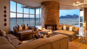 sossusvlei-desert-lodge-guest-area-1.jpg.950x0